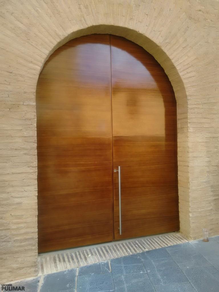 Restaurar puertas de madera affordable reciclar de puerta for Restaurar puertas antiguas de exterior
